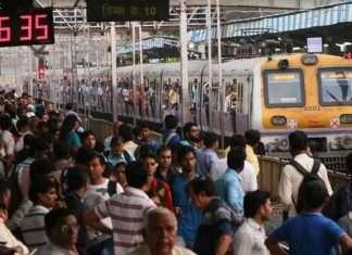 mumbai-train-borivili-station-express759