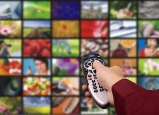 tv-screen-remote