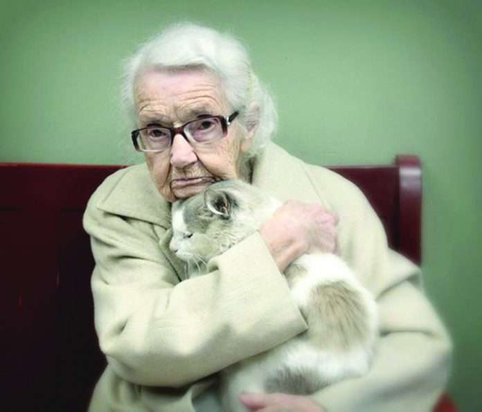 pet lover old age women