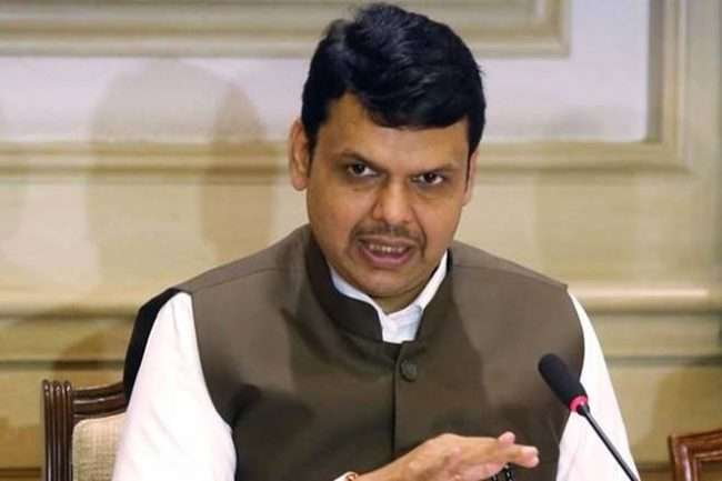 Chief Minister Devendra Fadnavis says maratha reservation issue will be resolved 15 days | #MyMahanagar
