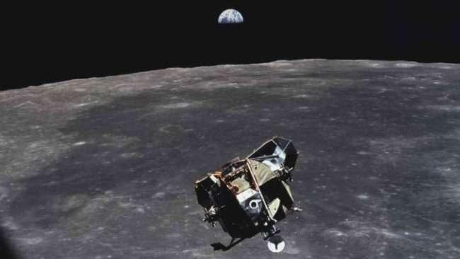 NASA spacecraft successfully land at mars