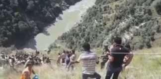 mini bus fell in chinab river