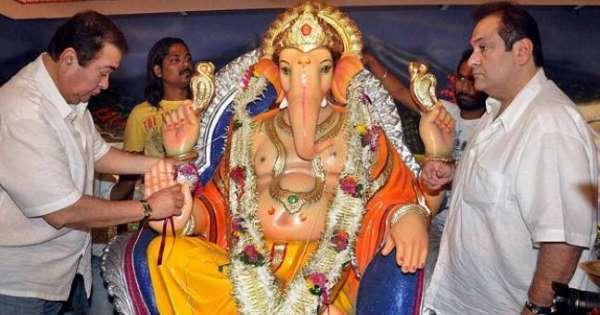 ganpati bappa idol in r k studio