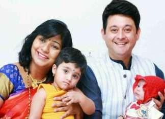 swapnil-joshi with his family