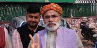 PM Narendra modi lookalike Abhinandan Pathak soon to join Congress