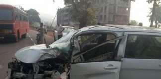 ganpatipule pick up and fourweelair accident 2 dead 4 injured