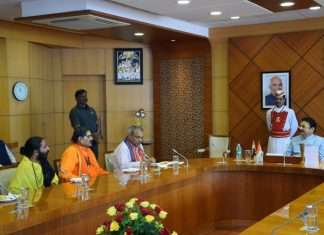 hindu send community demands to build ram temple at ayodhya