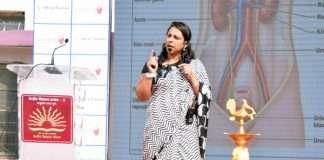 Dr. Rajeshwari Pawar, Consultant Gynecologist & Obstetrician Motherhood Hospitals giving talk