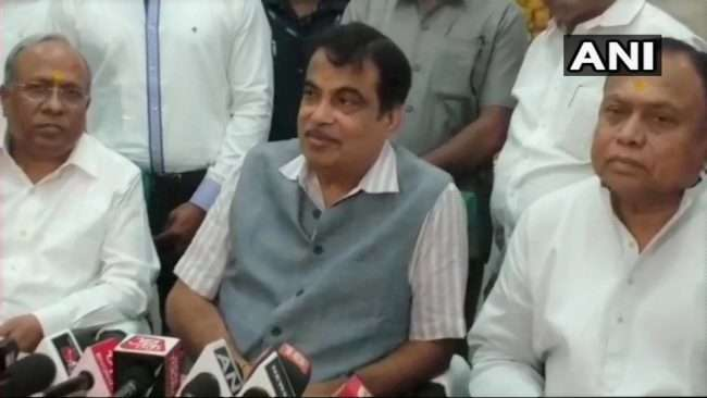 Nitin gadkari will go to nagpur after taking shirdi sai baba darshan