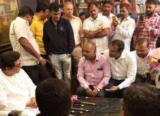 BEST employees meet MNS chief Raj Thackeray