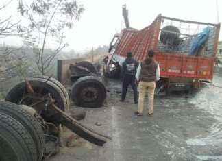 Truck accident on mumbai nashik highway