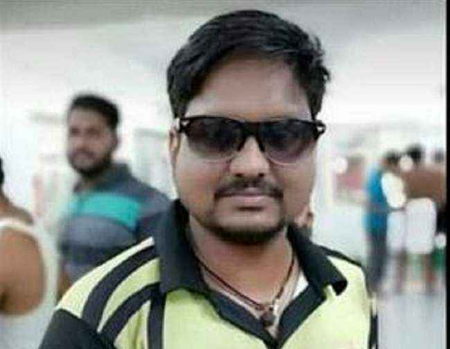 Cricket player Sandeep Mhatre died heart attack during the match in Navi Mumbai