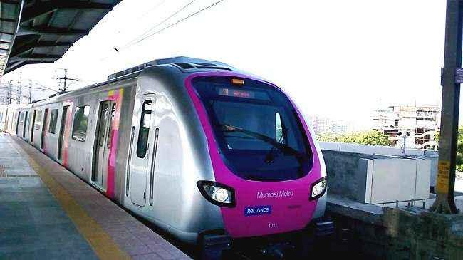 Sanjay Nirupam criticised metro train