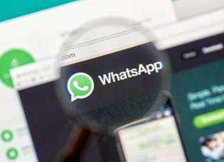 whatsapp : mobile phones the picture in picture feature is rolling out in whatsapp web