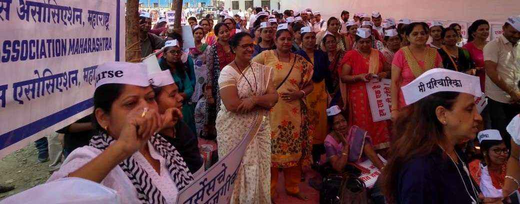400 nurses from state warn to work stop protest