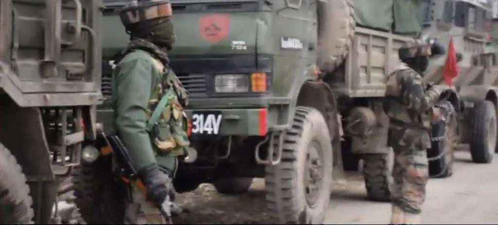 Visuals: Encounter underway between terrorists and security forces in Ratnipora area of Pulwama district