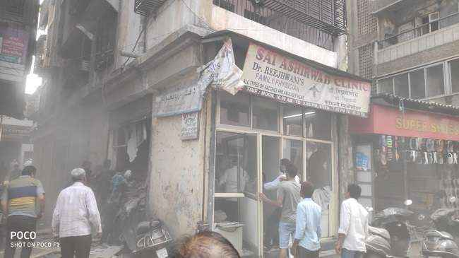 building slab collapse 3 people dead in ulhasnagar