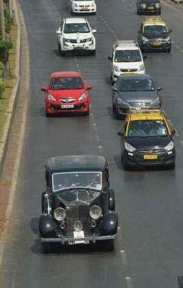 drive in Mumbai road