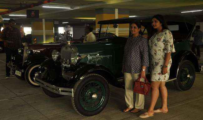 photo with car