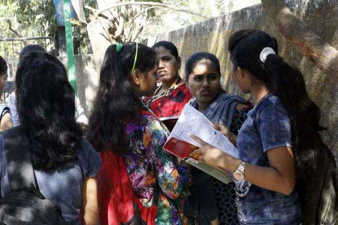 10th exam result 2021: Confusion over 10th result process, students and parents waiting for maharashtra goverment decision