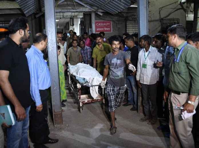 Mumbai Bridge Collapse near CSMT railway station