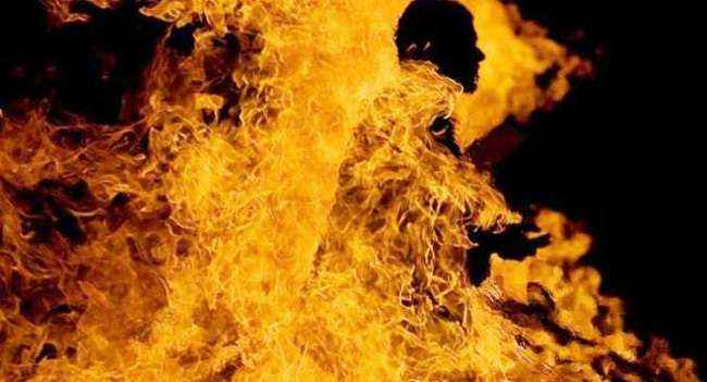 The wife burnt her husband alive