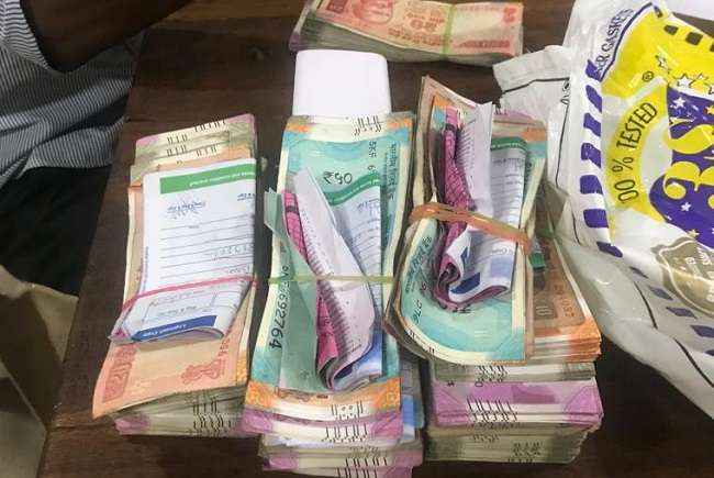 46 lakh 21 thousand cash seized