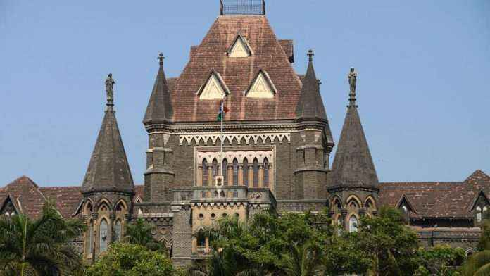 The Mumbai High Court appreciated the ongoing agitation on the Gateway of India