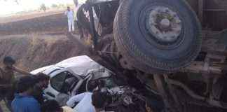 container and car accident in jalgaon