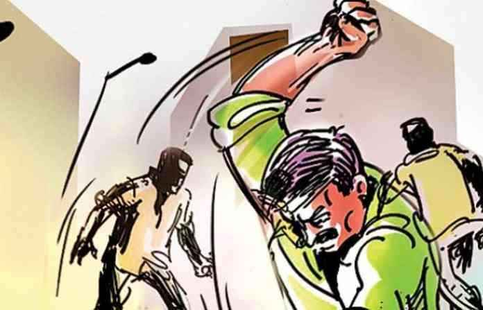 Watchmen attack on 2 people in ulhasnagar