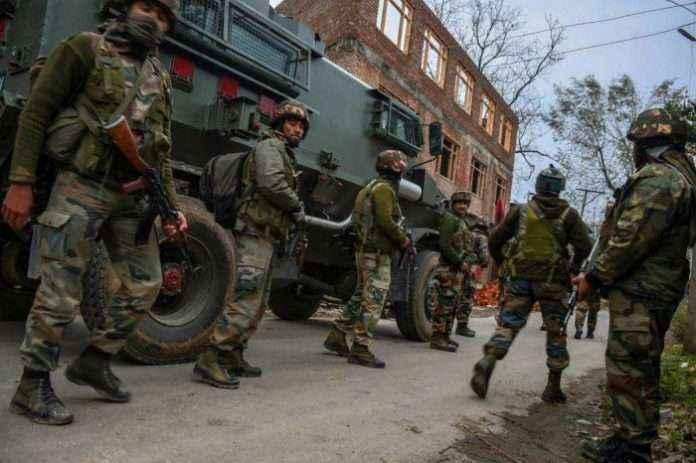 Exchange of fire underway between terrorists and security forces in Gopalpora area of Kulgam