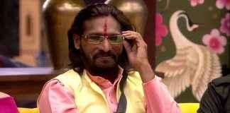big boss fem Abhijeet Bichukale left for Pandhari Wari and slams CM thackeray