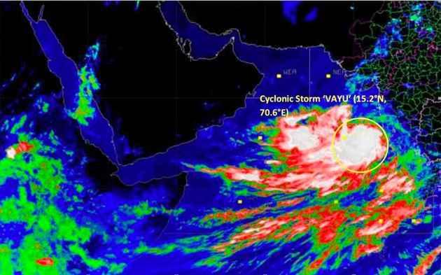 cyclone vayu gujarat