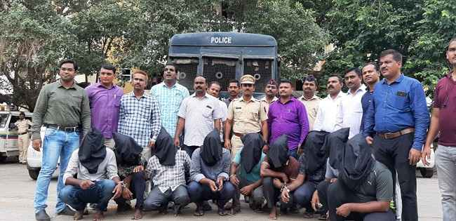 kalyan police arrested nine people of taktak gang