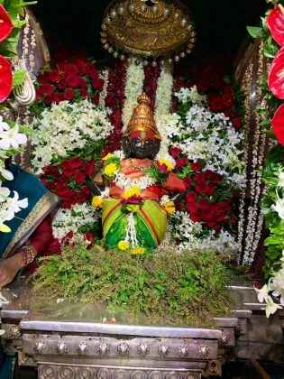 vitthal puja at pandharpur on the occasion of ashadhi ekadashi