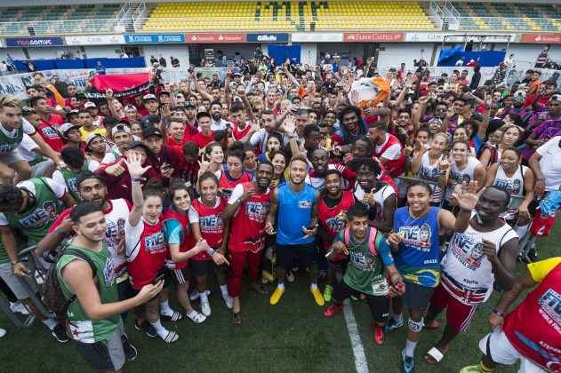 Neymar Jr posing with participants of Neymar Jr's Five 2018 World Finals in Brazil