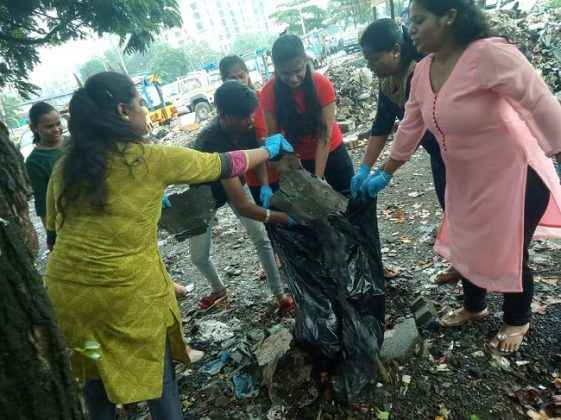youngster come forward for city cleanliness in mankhurd