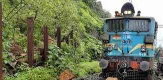 landslide at mumbai-pune railway line
