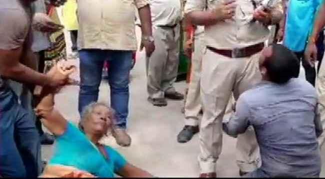 Three people were beaten to death by locals in Baniyapur