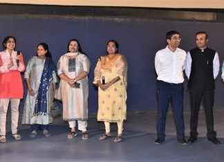 bmc commissioner pravin pardesi organised special mission mangal show for bmc employee