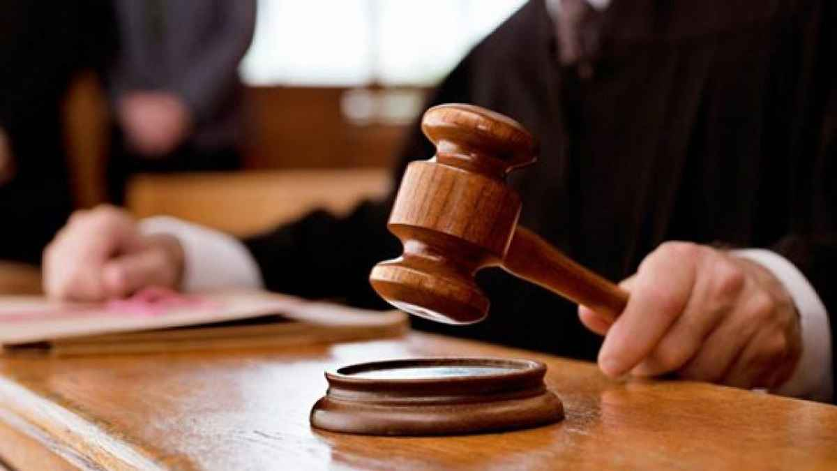 pak judge stops hearing because he get message on whatsapp of transfer