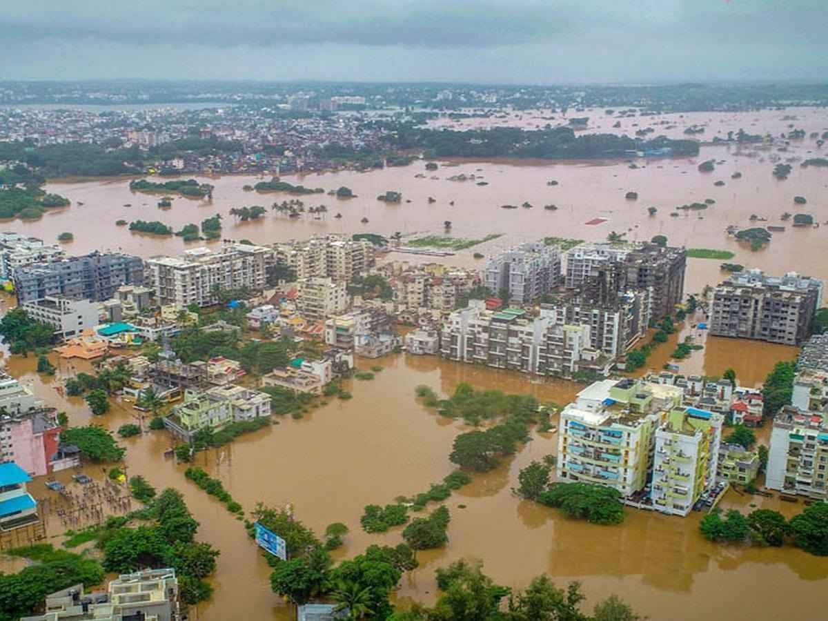 kalyan shiv sena giving five lakh rupees help to flood affected people