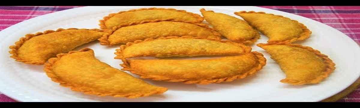 how to make purnache kanhole or purnache kadabu