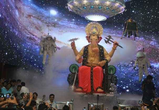 lalbagcha raja mukhadarshan.jpg 1.jpg 2