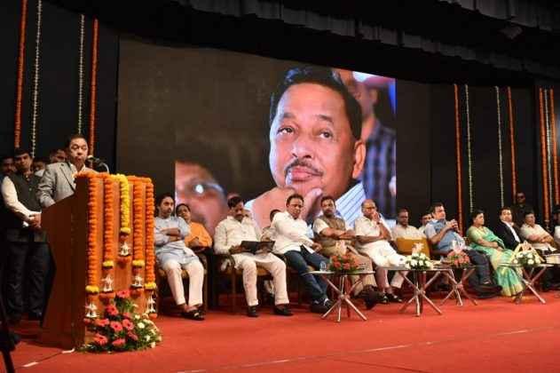 narayan rane auto biography published sharad pawar nitin gadkari 1