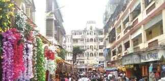 rush in market for Ganapati's arrival