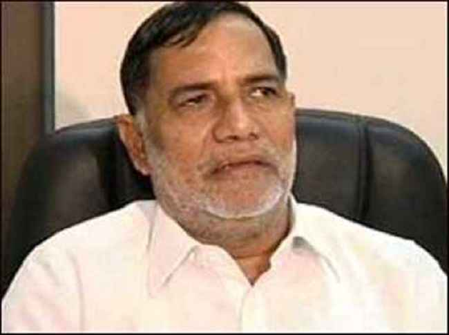 congress leader kripashankar singh resigns from the party