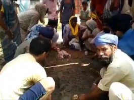 up pilibhit man gets electrocuted family bury him alive viral video on social media