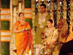 aishwarya-abhishek-babyshower- 3