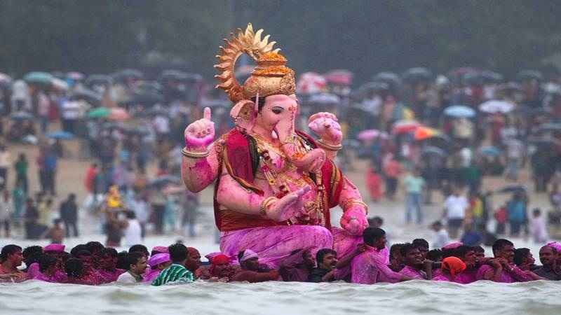 3 thousand 138 police officers were deployed to ganpati immersion